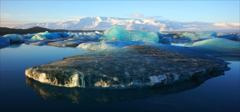 Icebergs in the lake